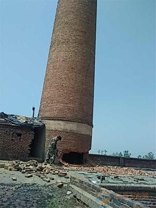 信阳锅炉房砖烟囱人工拆除公司欢迎访问