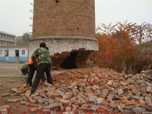砖瓦厂烟囱定向放倒多少钱