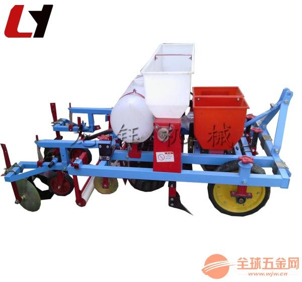 龙钰机械玉米覆膜机 加厚型铺地膜带喷药机械