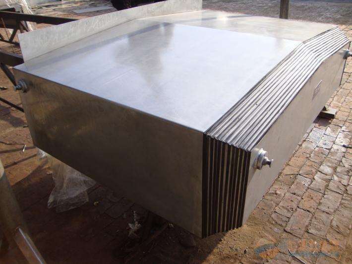 做工细致 质量保证 青岛钢板防护罩