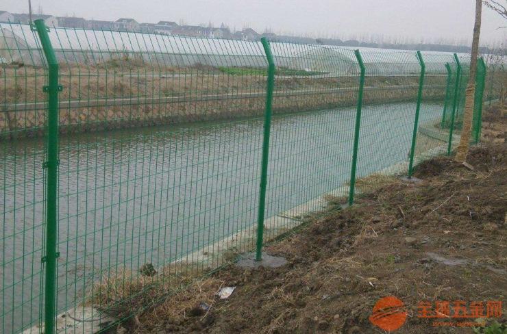 厂家直销1.8*3米双边丝网围栏性价比最高