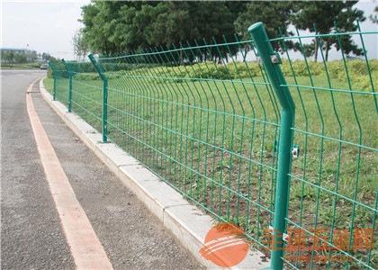 双边护栏网产品表面处理 双边护栏网产品外形尺寸 双边护栏网