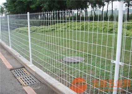 双边护栏网产品优点 双边护栏网产品特点 双边护栏网产品安装