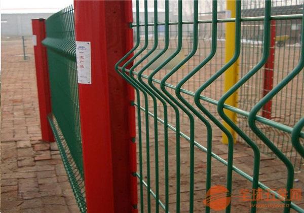 桃形立柱护栏网产品规格 桃形立柱护栏网产品厂家 桃形