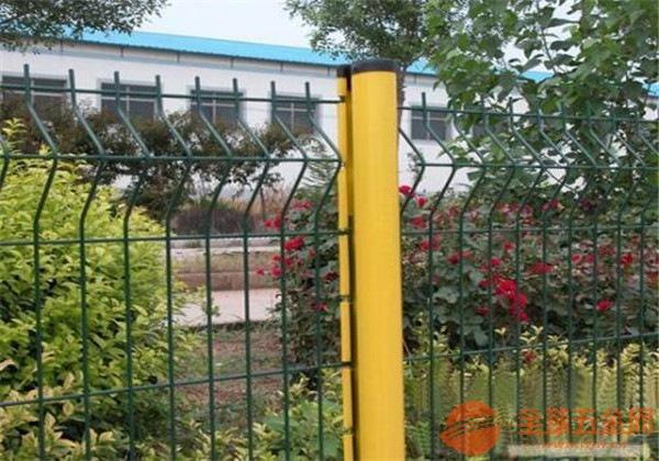 桃形立柱护栏网产品颜色 桃形立柱护栏网产品焊接 桃形