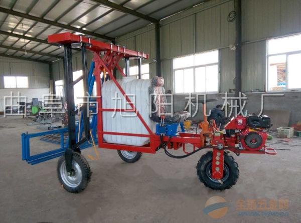 旭阳直销小麦玉米自走式打药机柴油三轮自走打药机喷杆自动可调喷药机