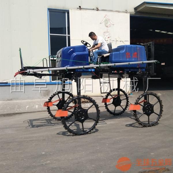 厂家定制柴油52马力四驱打药机自走式运苗喷雾撒肥一体机大田玉米打药机