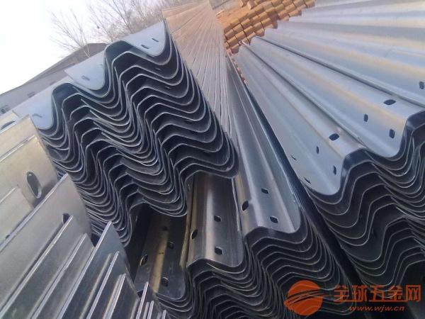 重庆波形护栏大厂品质超强做工