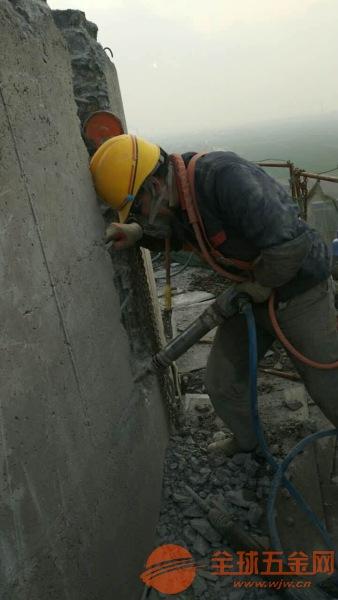 安达砖烟囱拆除施工