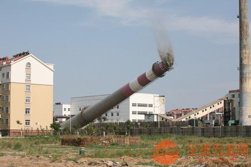 自贡人工拆除烟囱安全有保障