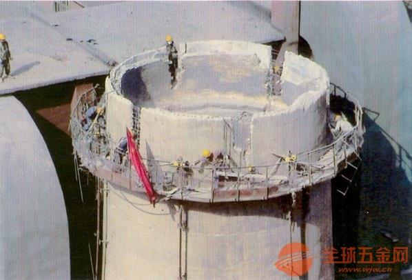 乌兰县人工拆除烟囱安全有保障