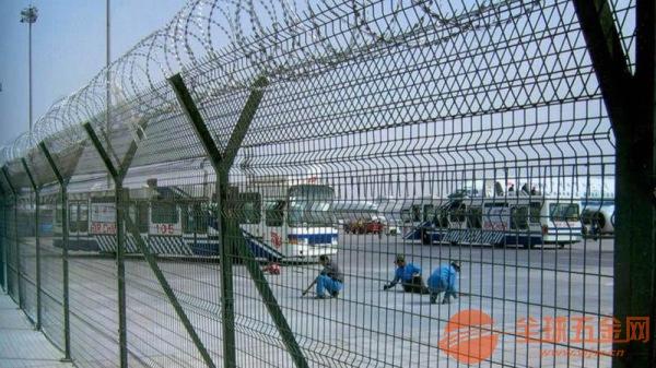 机场防护护栏网产品优点 机场防护护栏网产品使用性