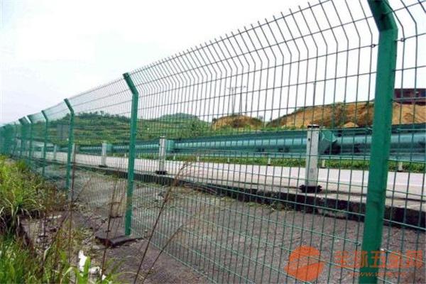 铁路防护网安装 铁路防护网厂家直销 铁路防护护栏网厂价直销