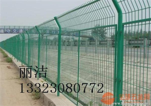 公路护栏网产品特色 公路护栏网用途