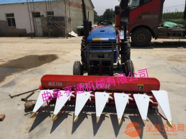 优质汽油粮食装袋机 晒场收谷机自走式粮食颗粒装袋机图片