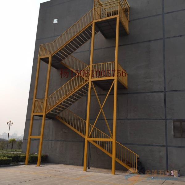 泰兴厂家定做钢结构楼梯,安全逃生钢楼梯制作样式价格
