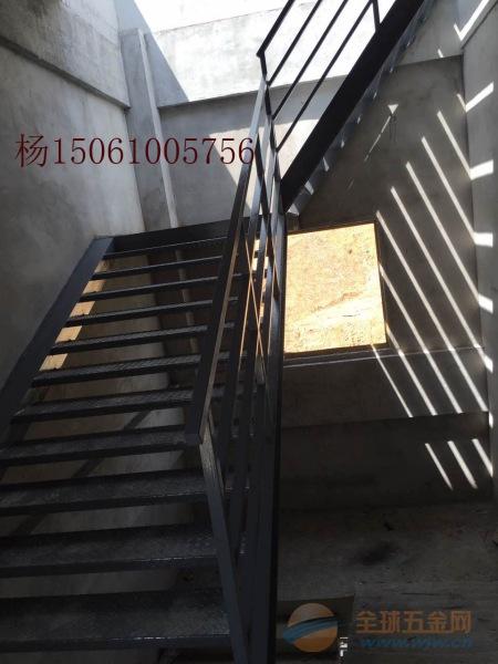 兴化钢楼梯厂家,兴化钢结构楼梯价格怎么计算,钢楼梯材料大小图集