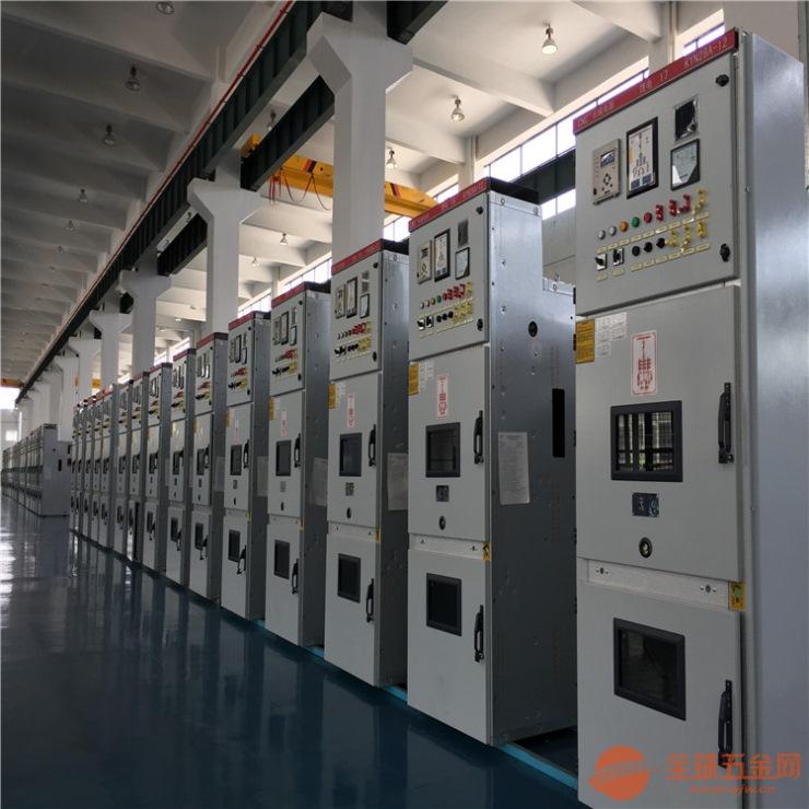 产品详细介绍 一.kyn28a-12中置式开关柜概述 KYN28A-12(II)型铠装移开式交流金属封闭开关设备柜体系三相交流50Hz、额定电压12kV和户内成套配电装置。作为发电厂、变电站及工矿企业接受和分配电能之用,并具有对电路实行控制、保护和监测等功能。 二.kyn28中置式开关柜结构说明 开关柜按GB3906和GB/T11022标准而设计。隔室结构布局和电气性能完全延续了KYN28A-12的优点,并在生产工艺、产品外观等方面做了众多改进,获得多项国家实用新型专利和外观专利。 三.