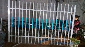 浙江绍兴道路锌钢护栏厂家直供送货上门、塑钢草坪围栏低价销售