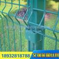 厂家生产双边丝护栏网、公路护栏网