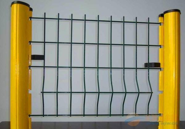 各种规格护栏网定制|颜色可选隔离栅|防护网隔离网厂家