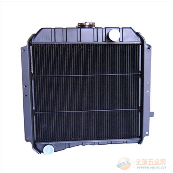 按照散热器芯的结构形式可将散热器分为管片式散热芯,管带式散热芯