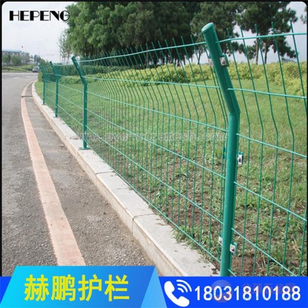 现货双边丝护栏 绿色铁丝网围栏 圈地围网