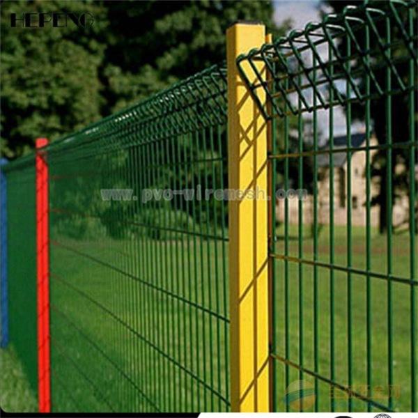 桃型柱隔离栅 桃型柱围栏网 桃型柱三角折弯护栏网