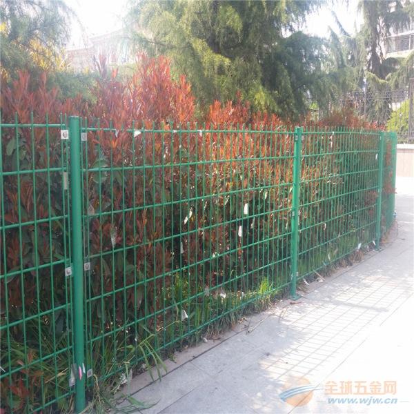 双边丝护栏网 圈地绿色铁丝围栏网