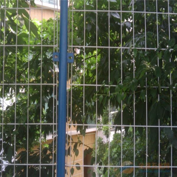 果园防护网 双边丝隔离栅 圈地防护网 道路围栏网