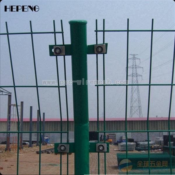 大量现货供应双边丝护栏网