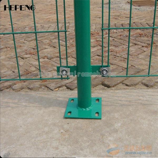 双边丝防护网 道路隔离栅 果园防护围栏 圈地专用网