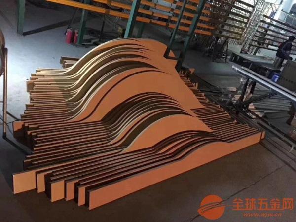 规格齐全木纹铝方通隔断厂家直销