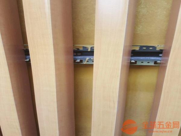 广州木纹铝方通隔断价格实惠
