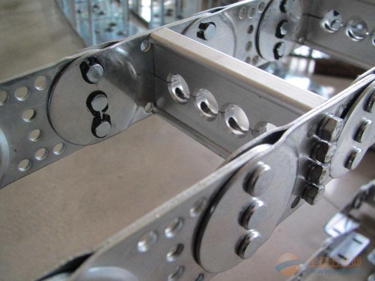 打孔式TLI型钢制拖链量大从优