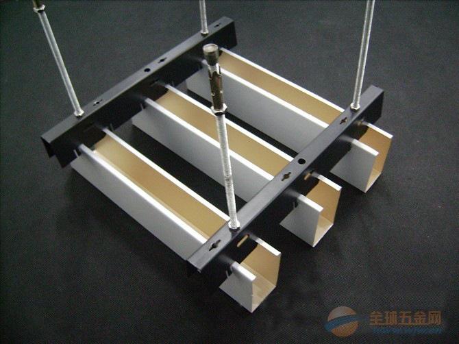 写字楼 吊顶铝合金U型槽铝格栅吊顶50*200