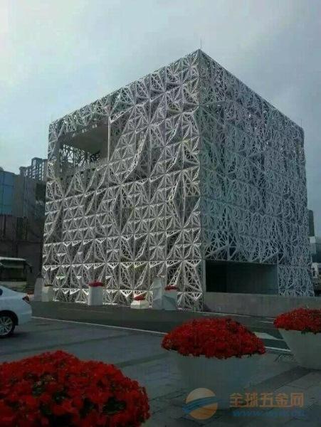 雕刻铝窗花厂家供应