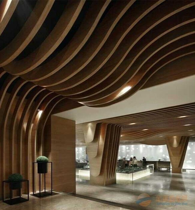 售楼部弧形铝方通吊顶多少钱一平方?异型铝方通吊顶