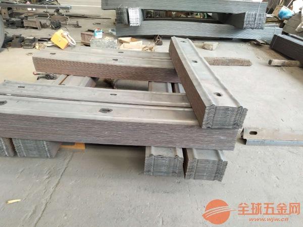 陕西煤矿W型钢护板多少钱一吨