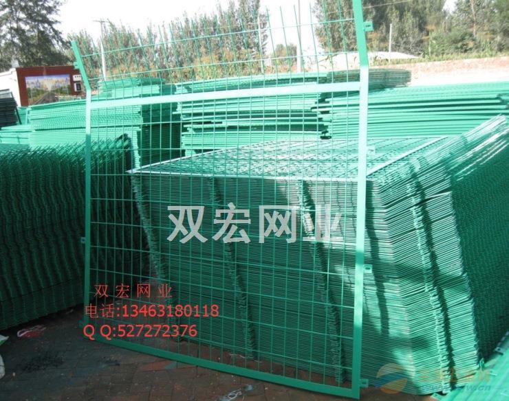 新疆高速公路护栏网多少钱 公路护栏施工方案