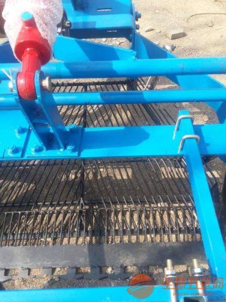 牡丹江 小型挖蒜机 四轮前置式大蒜收获机