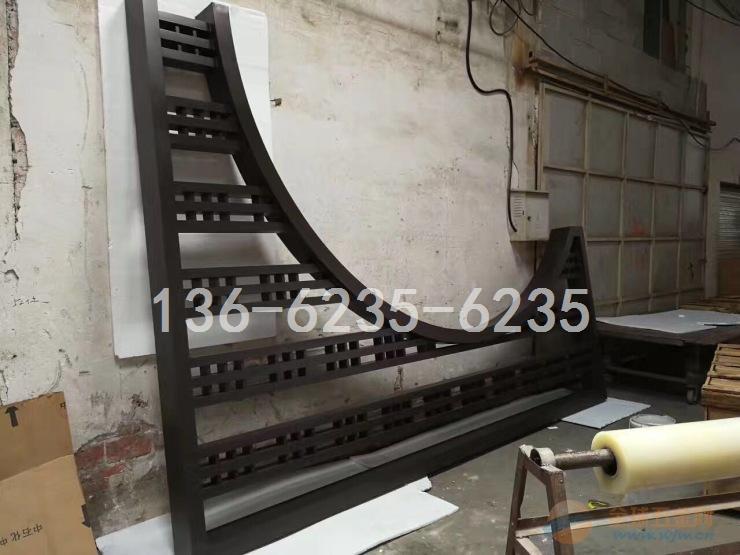 贵州市旅游景点月亮门古建筑模式铝型材窗花成型工厂