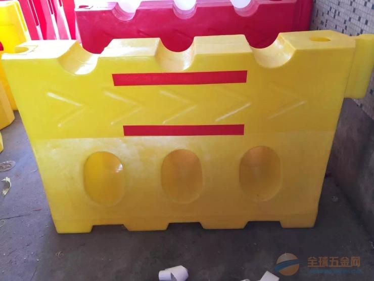 安徽合肥滚塑水马厂家、合肥滚塑三孔水马批发