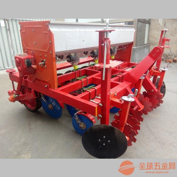 广宗县 拖拉机带动播种机 多功能汽油施肥播种机
