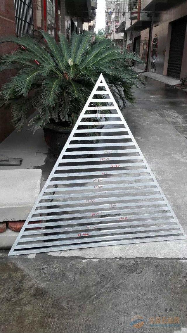 高级别墅氟碳雕花铝窗花知名制造商