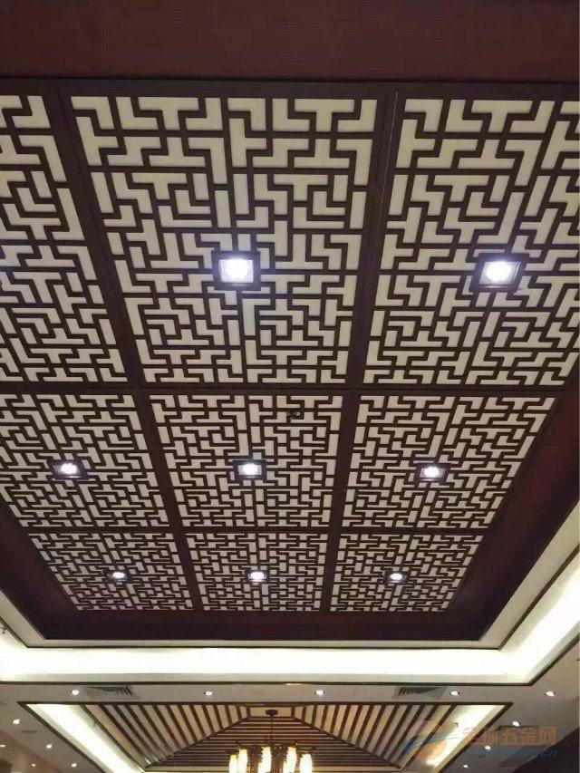 柱饰中式木纹铝窗花