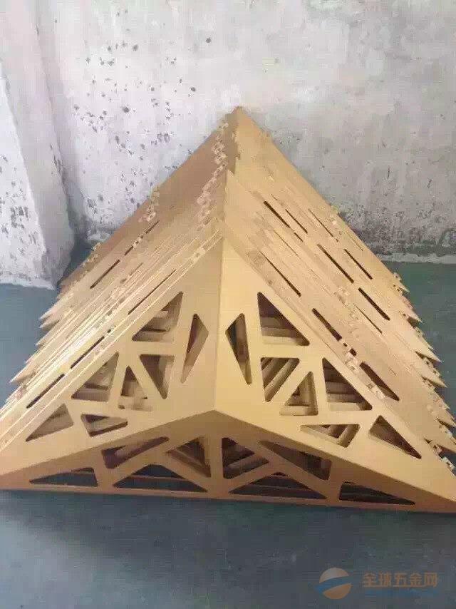 公寓专用木纹铝窗花生产厂家直销