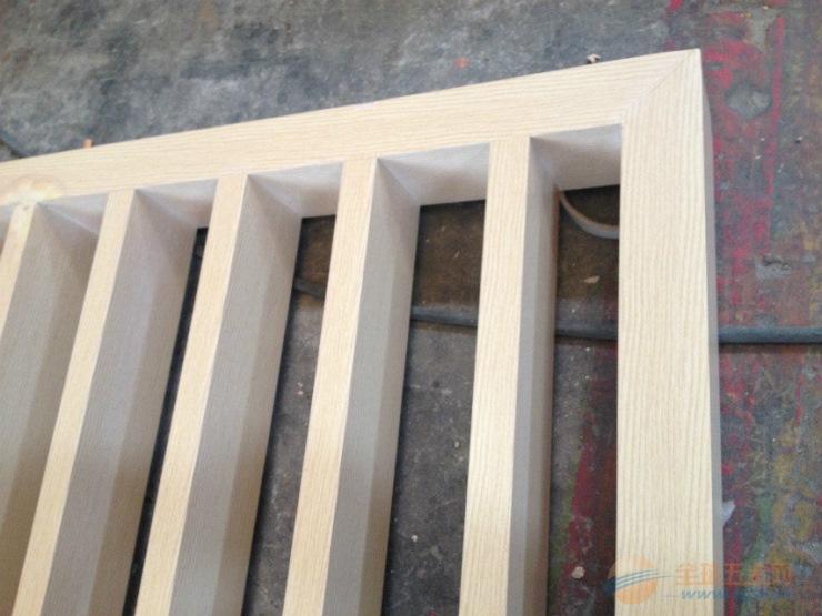 公寓木纹铝窗花生产厂家质量好价格实惠