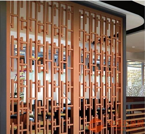 定制木纹铝窗花--冰裂形中式木纹铝花格子