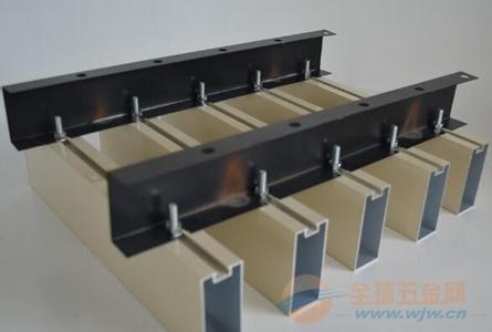 型材仿木纹铝方通吊顶